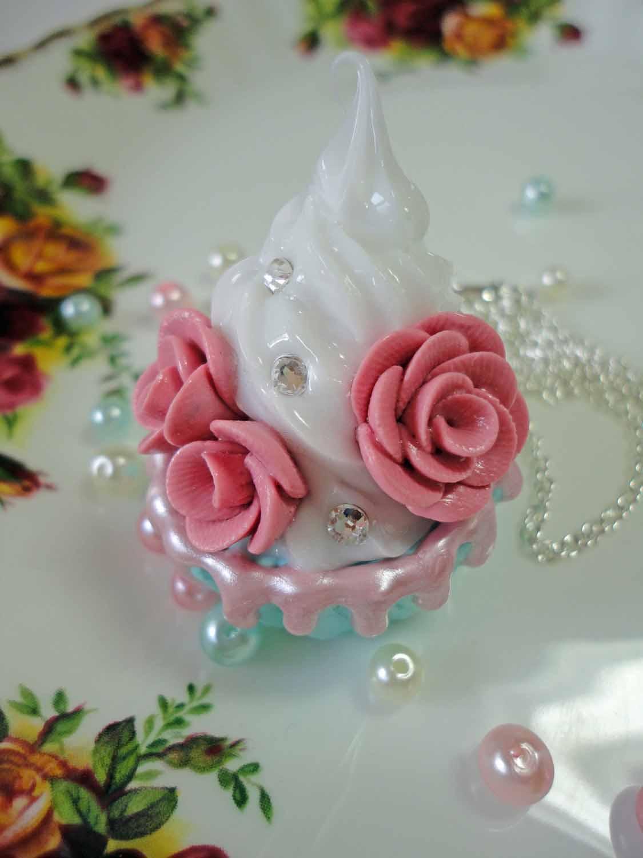 Rose Cupcake Necklace